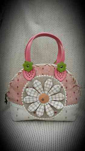 Download pattern - Strawberry handle flower bag