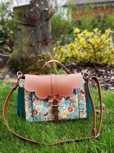 Flower satchel